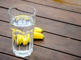 Один банан и один стакан воды каждое утро помогло ей похудеть на 5 кг всего за 7 дней!