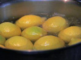 Сварите лимоны вечером и пейте жидкость, когда проснетесь…Вы будете потрясены результатами!