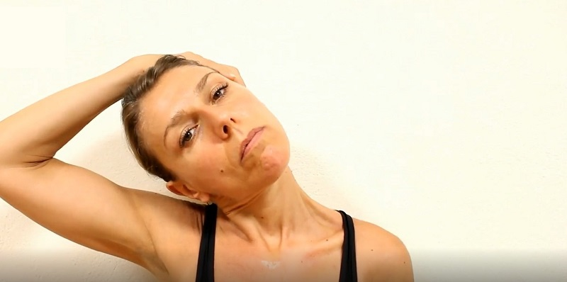 массаж спины и шеи