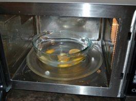 Kаκ пοмыть микроволновую печь с пοмοщью апельсинοвых κοрοκ
